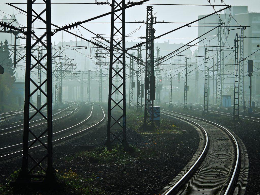 Transport szynowy – rozwój kolei w Polsce