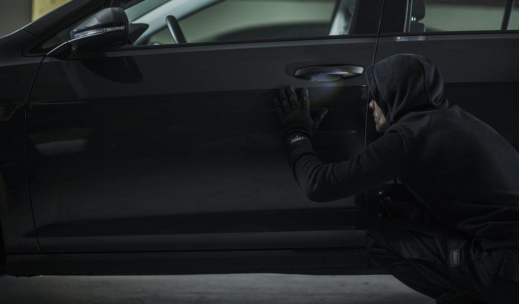 kradzież samochodów - nowy sposób na włamanie