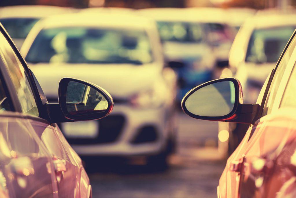 Drogie parkowanie - Brak parkomatów na terenie Biedronki i Aldi