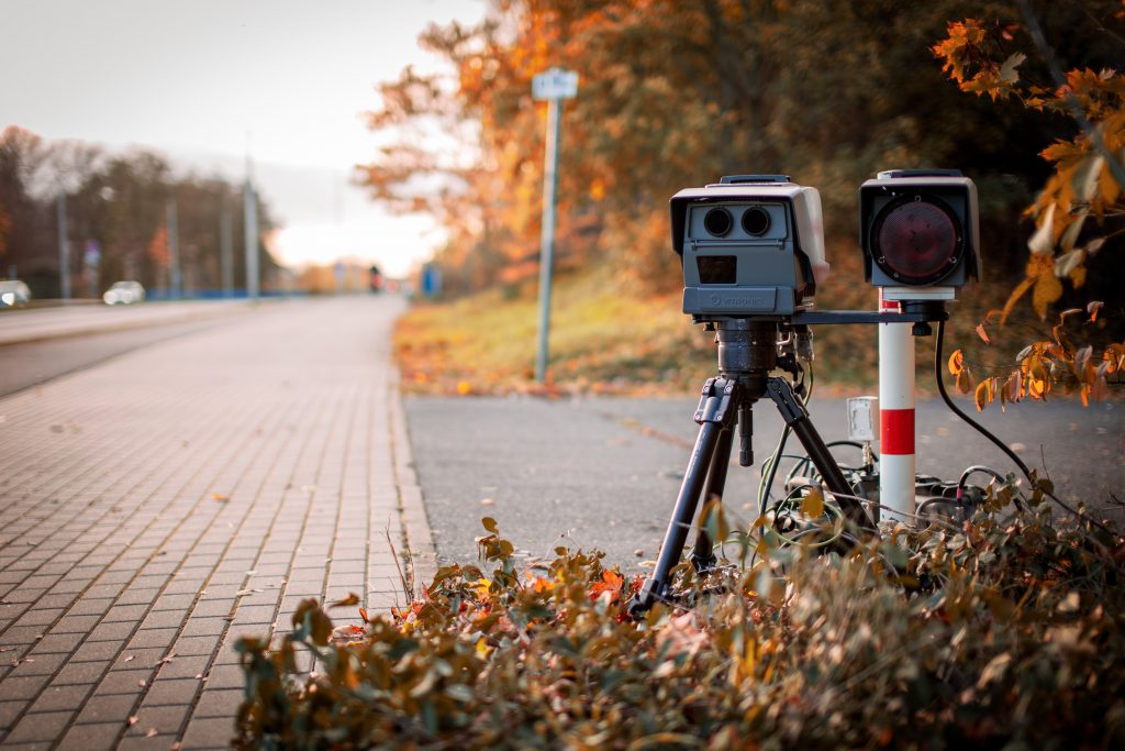 Fotoradar rozpoznający trzymanie telefonu już w użytku